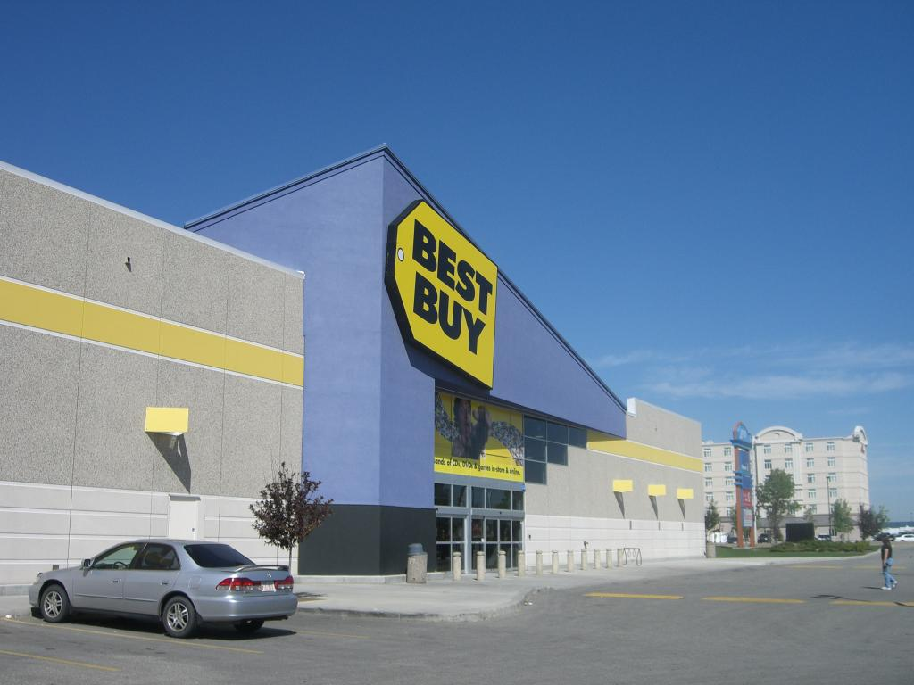 Best Buy surprises all over the place in second quarter