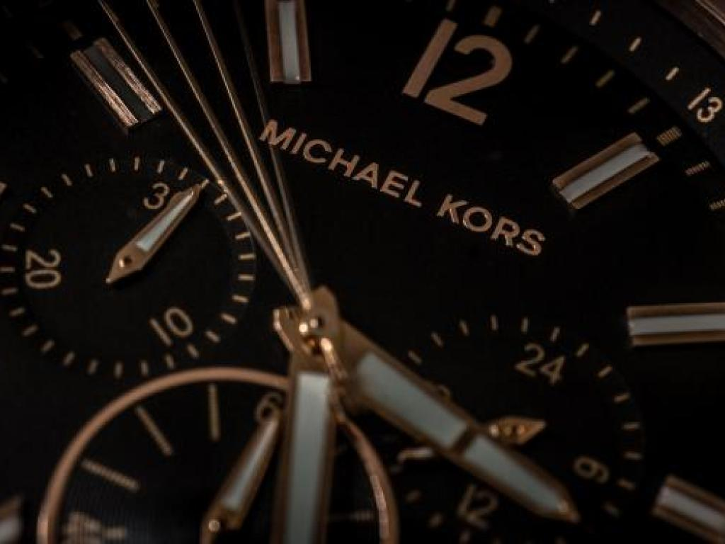 Michael Kors Wallpaper michael kors self inflicts wounds, put on ...
