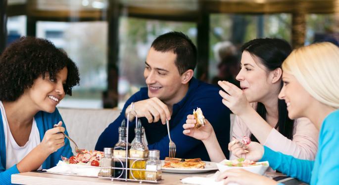 Darden Restaurants Sued Over Tipping?