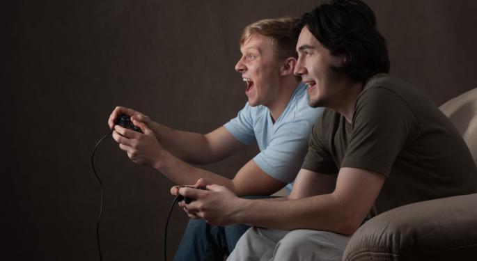 GameStop Falls as Piper Jaffray Cuts Estimates