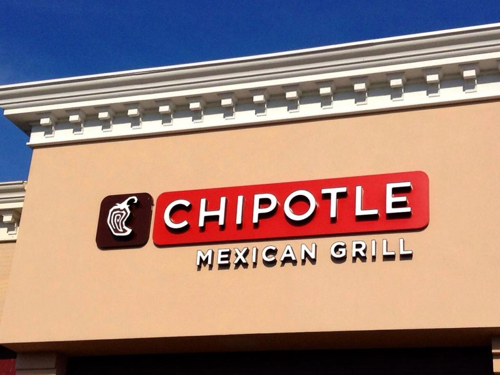 Raining rodents: Chipotle diners hit with nasty surprise in Dallas