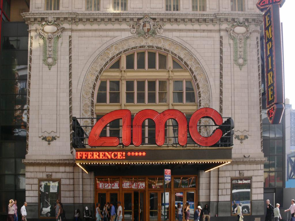 AMC Shares Plunge on Warning of Q2 Loss