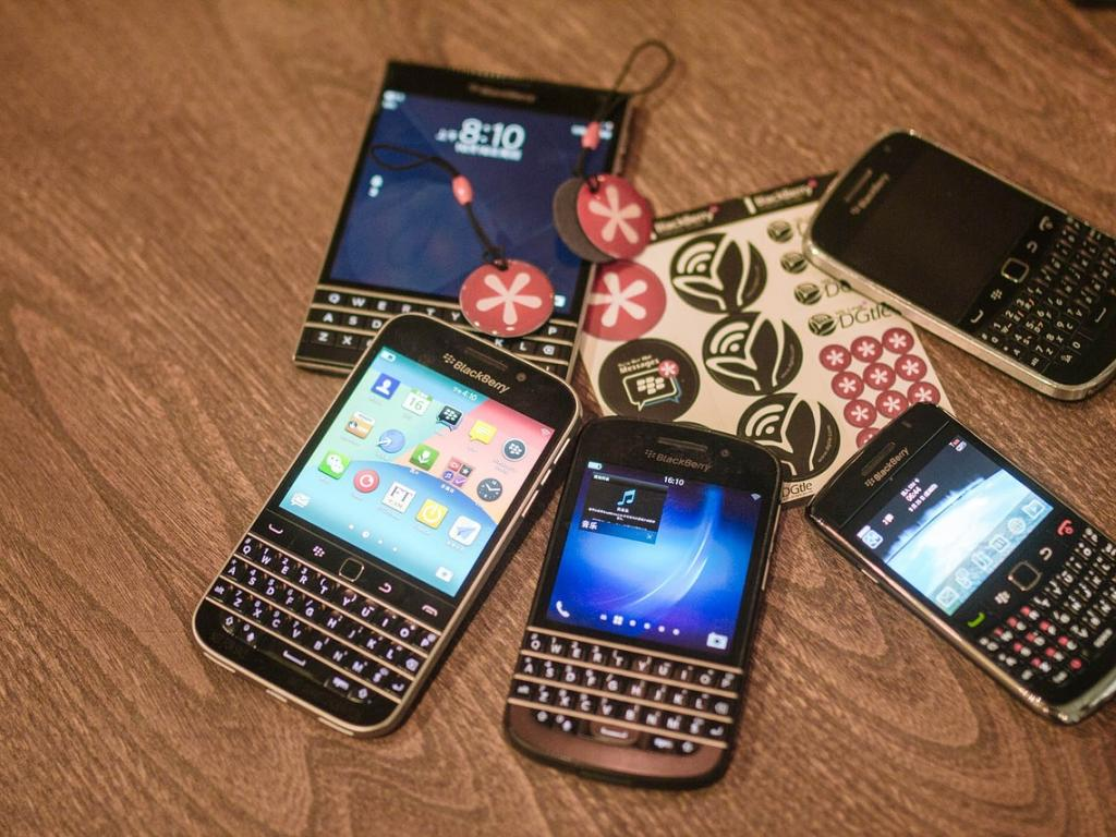 BlackBerry Ltd (BBRY) Stock Rating Lowered by Raymond James Financial, Inc
