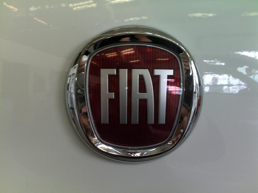 Fiat Chrysler Automobiles NV (FCAU) Shares Bought by US Bancorp DE