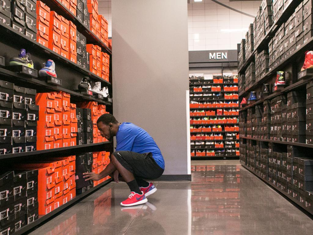 Momentum Stocks in Focus: NIKE, Inc. (NYSE:NKE), Nordstrom Inc. (NYSE:JWN)