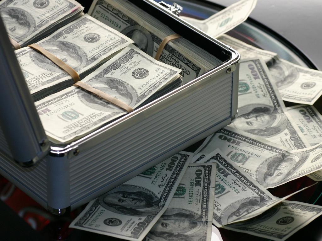 Deals cash