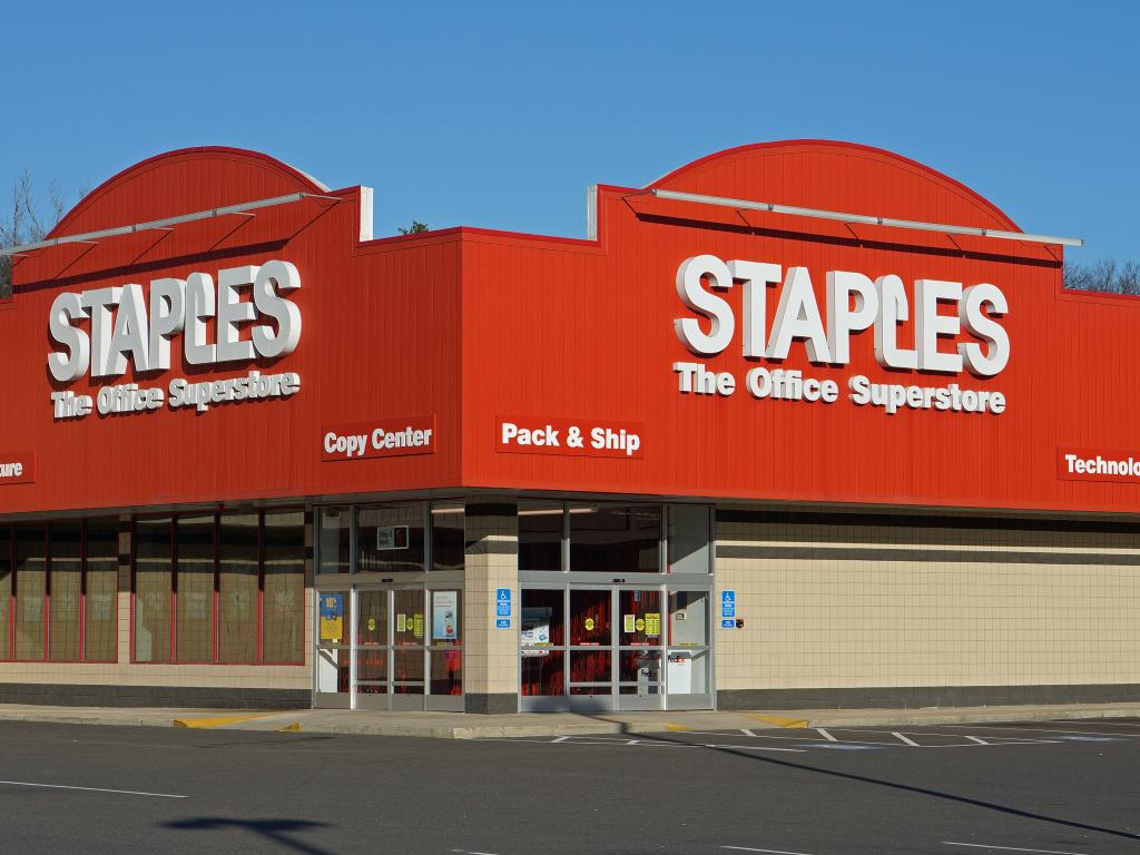Staples, Inc. (SPLS) Posts Quarterly Earnings Results, Hits Estimates