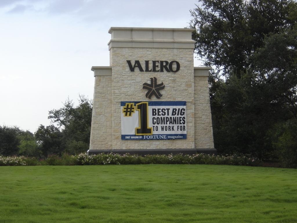 Does The Data Supplment Valero Energy Corporation (NYSE:VLO) Movement?