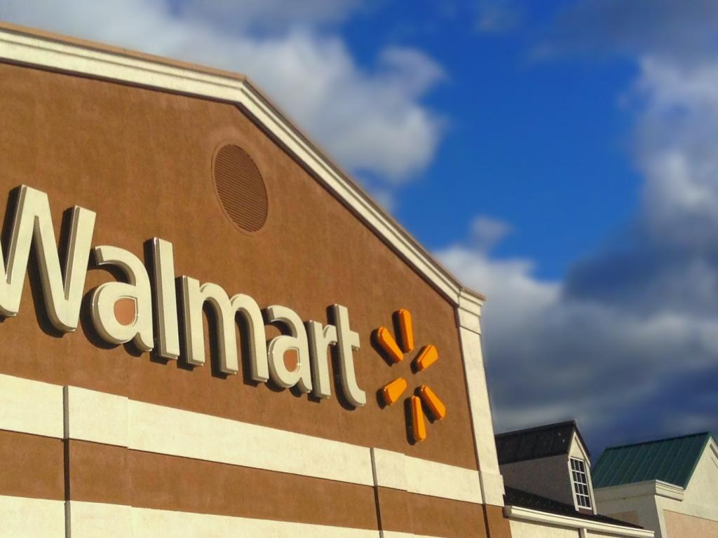Wal-Mart Stores, Inc. (WMT) SVP Sells $67914.36 in Stock