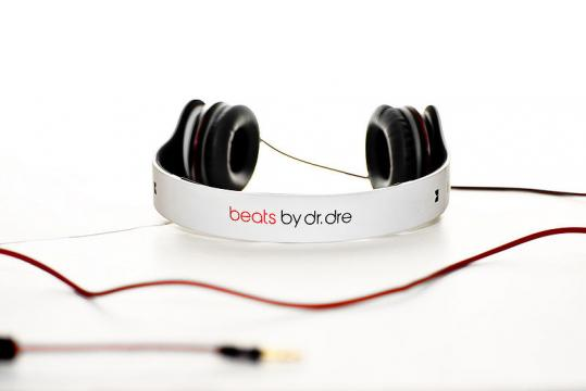 Apple Expected To Buy Beats Electronics For $3.2 Billion