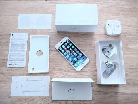 iPhone 6 Plus Shipments Could Outnumber The Standard iPhone 6