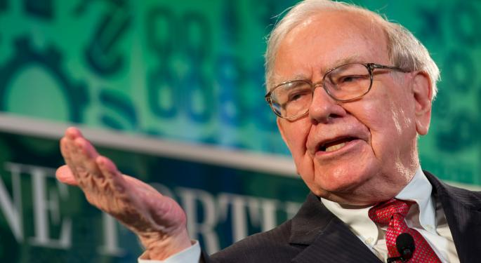 Buffett Buttons His Lips, Won't Speak On Election Or Wells Fargo Until November