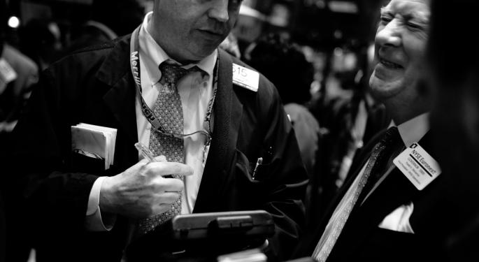 Indexes Close Flat As Dollar Gains Momentum