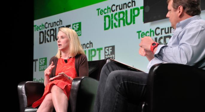 Experts Say Yahoo CEO Marissa Mayer Is Doing Well Despite Harsh Odds