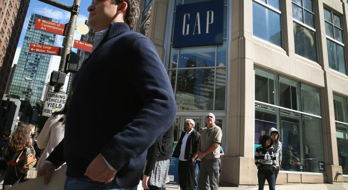 Analysts Expect Relief And Improvement At Gap Ahead Of Earnings