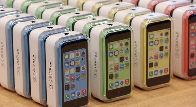 iPhone 5C Selling Out From One Carrier AAPL