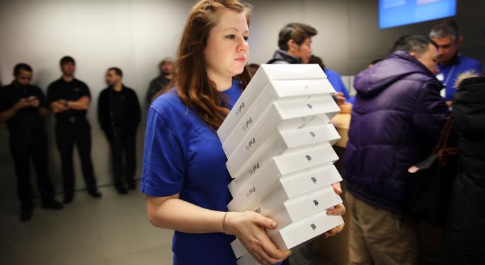 Apple's iPad Air Sales Exceed Expectations by 30%