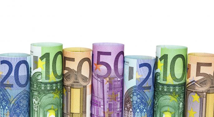 Euro Climbs On US GDP Surprise