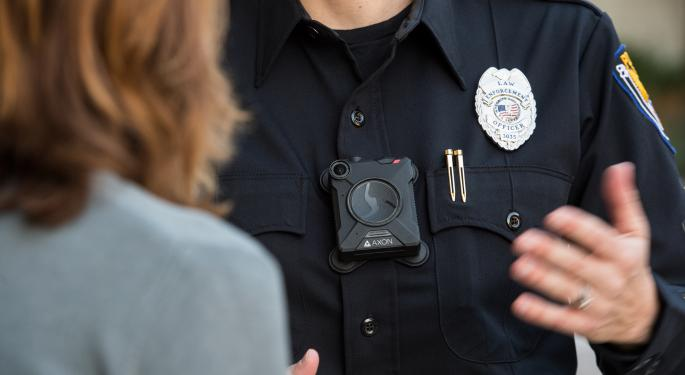 Taser Offers One-Year Free Body-Cam Trial To Every Police Officer In America