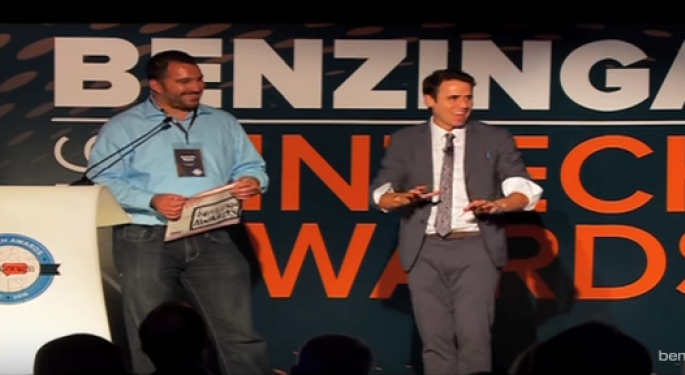 Wall Street Mentalist Oz Pearlman Wows Audience At Benzinga Fintech Awards