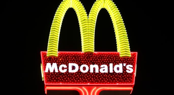 McDonald's Down on Slow April – Avian Flu, Stiff Competition, Poor Customer Service All Cited