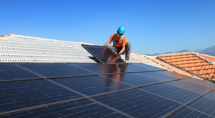 Solar ETFs Heating Up TAN, KWT, FSLR, CSIQ