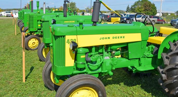Caterpillar vs. John Deere - Which Would You Rather Build With?