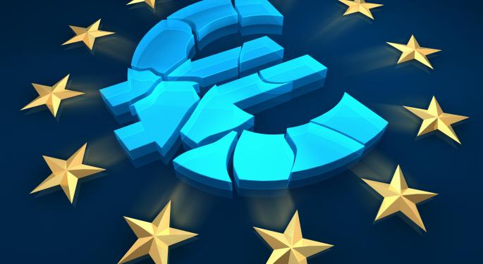 Euro Falls Further On Easing Speculation