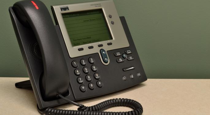 Cisco Reports Q2 Beat, Raises Dividend