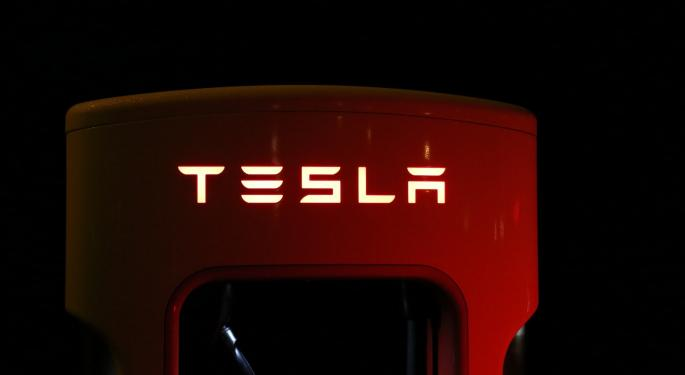Analyst: Tesla's Self-Driving Technology Is 'Exaggerated'