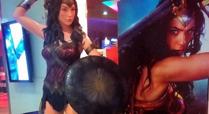 'Wonder Woman' Breaks $600 Million Globally, On Pace To Shatter 'Man Of Steel'